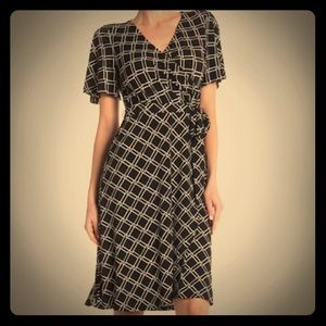 Donna Morgan (4) Flutter Sleeve Faux Wrap Dress